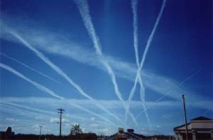 https://liberacionahora.files.wordpress.com/2010/09/chemtrails2.jpg?w=300